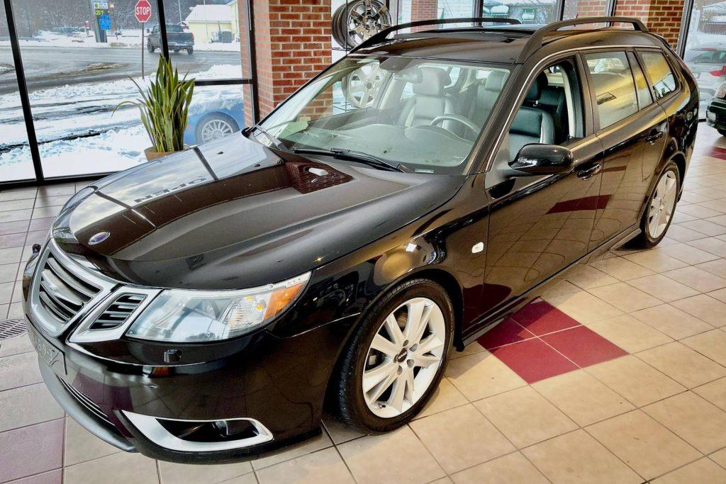 Saab wagon front